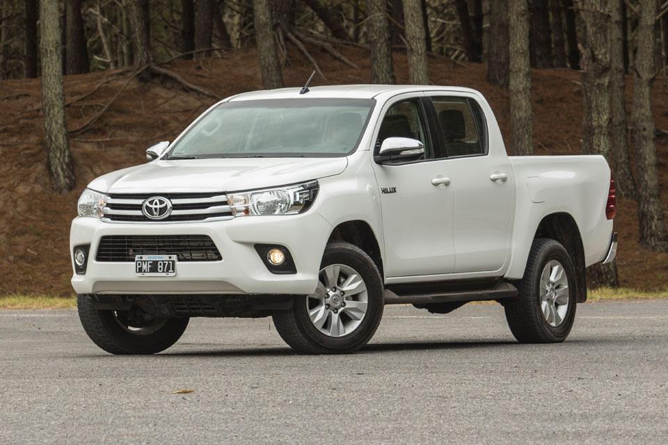 5 Pick ups para el trabajo como Toyota Hilux que es indestructible