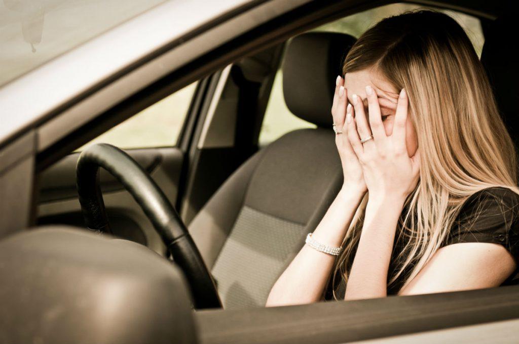 ¿Qué hacer en caso de un accidente automovilístico? Respira, revisa que no estés lastimado y habla con tu seguro