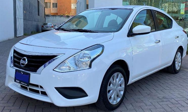 Autos a crédito que puedes comprar por 200 mil pesos como Nissan Versa
